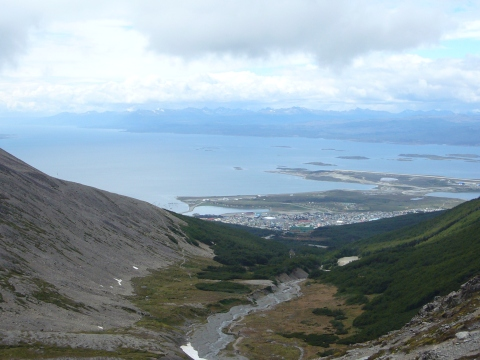 Ushuaia desde camino al Glaciar Martial