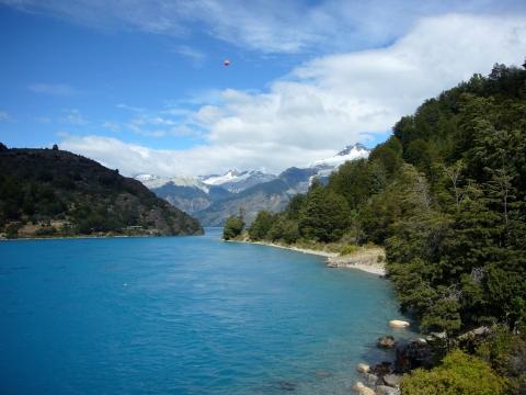Desagüe del Lago General Carrera en el Lago Bertrand